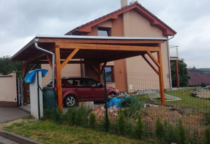 Stání na dvě auta, Olomouc